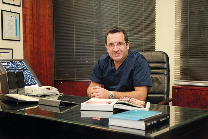 οδοντίατρος Ιωάννης Παπαδόπουλος